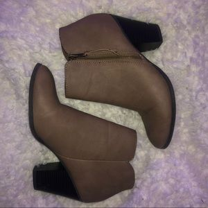 charlotte russe size 8 booties